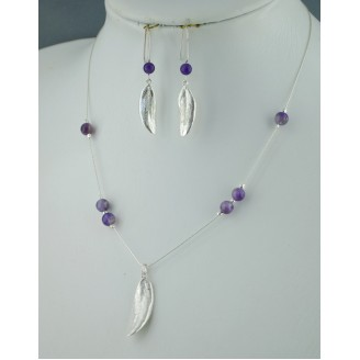 Sterling silver chain necklace with semi precious stone and 1 olive leaf Amethyst Bead)